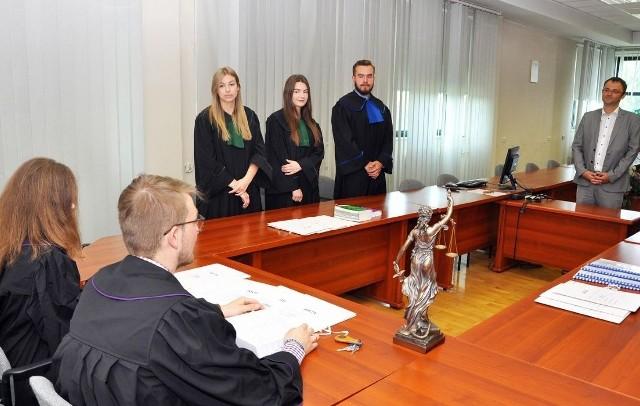 Zajęcia na Wydziale Prawa Uniwersytetu Technologiczno-Humanistycznego w Radomiu.