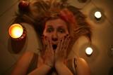 Lęk przed otworami, włosami i lustrami - oto najdziwniejsze fobie [zdjęcia]