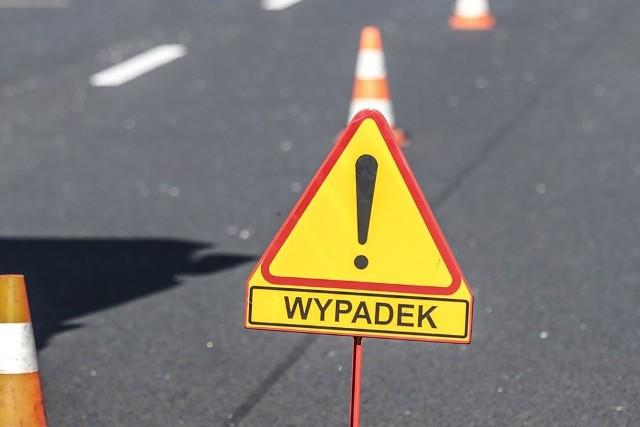 Droga w miejscu wypadku została zablokowana.