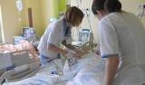 Podwyżki dla pielęgniarek od września 2018 roku zachęciły do pracy? W Łódzkiem więcej zgłoszeń do pracy w zawodzie pielęgniarki i położnej