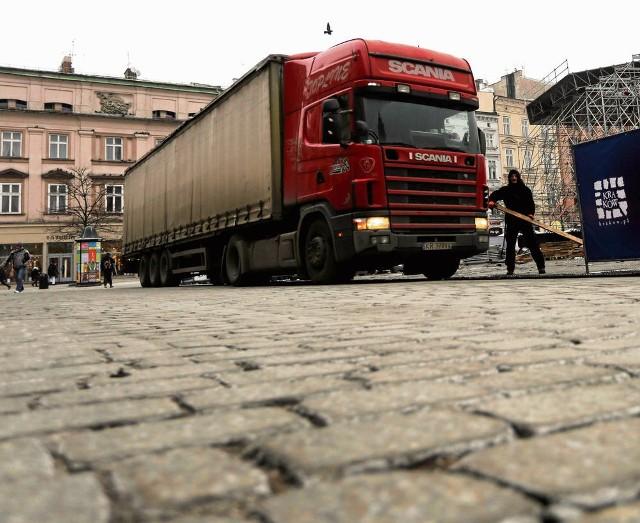 Pojazdy ważące ponad 7,5 tony nie będą mogły wjeżdżać na Rynek