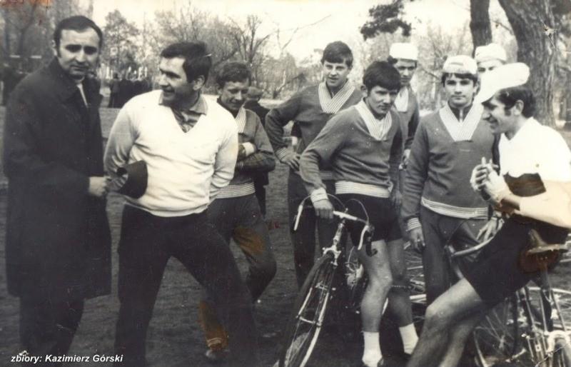 Kazimierz Górski (w białym swetrze) wraz ze swoimi podopiecznymi - 1970 rok.