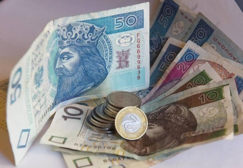 Rząd proponuje przyjęcie minimalnego wynagrodzenia za pracę...