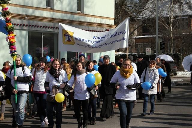 Marsz dla życia na ulicach Zielonej Góry.