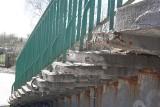 Kładka na Retkini latem doczeka się renowacji. Kolej poprawi konstrukcję, a miasto schody