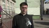 Wielkanoc 2020 w Sopocie. Caritas rozdaje potrzebującym paczki ze święconką. Z powodu epidemii nie ma śniadania wielkanocnego [wideo]