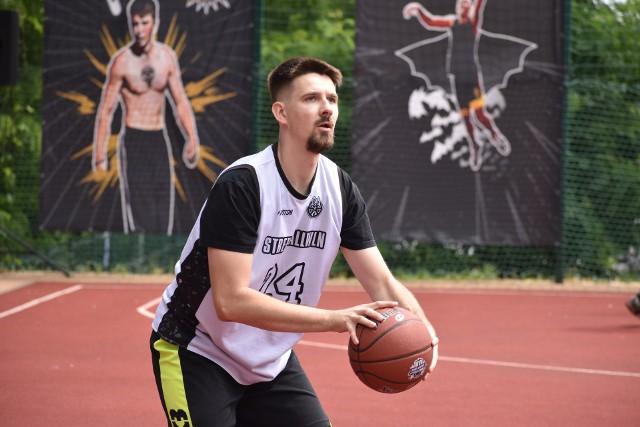 KO Streetball 2021 w Krośnie Odrzańskim trwa! Oto zdjęcia z eliminacji do turnieju 2x2 oraz konkursu wsadów.