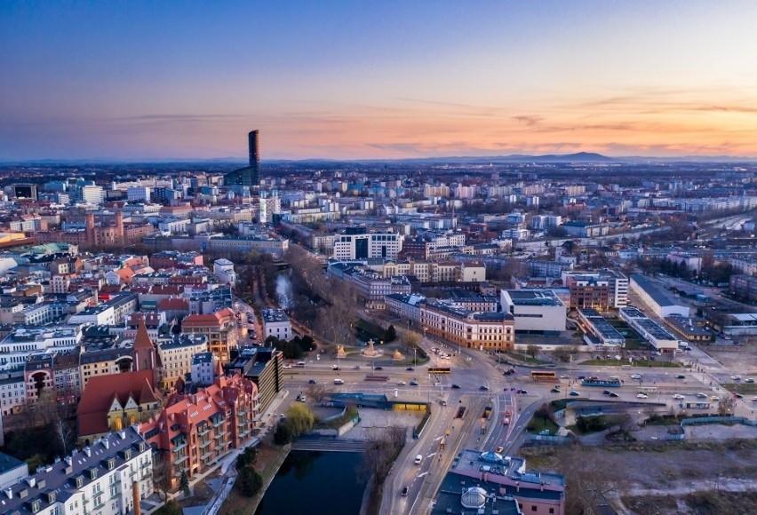 Gdzie we Wrocławiu lepiej nie wychodzić po zmroku, a gdzie...