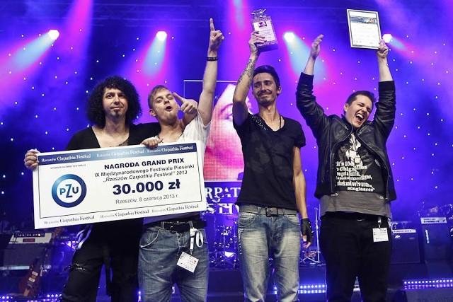 Carpathia Festival - koncert finałowyGrupa Call Me Steve ze Słowacji zdobyła Grand Prix na Rzeszów Carpathia Festival. Po koncercie laureatów na scenie w Rynku wystąpi Małgorzata Ostrowska.
