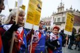 Nauczyciele protestowali na Rynku Głównym w Krakowie [GALERIA]
