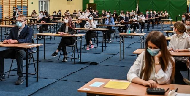 Matura 2021: Język angielski. Pytania, rozwiązania, odpowiedzi, Arkusze CKA. Co było na maturze z angielskiego? [6.05.2021]
