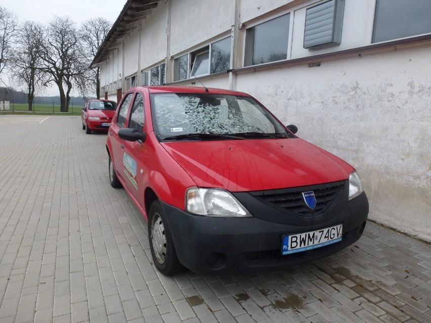 4. Dacia Logan, nr rej. BWM 74GV, poj.1.4, Pb, LPG, 2006 r....