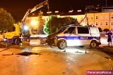 Policyjny radiowóz utknął w fontannie w Kutnie. Miasto chce odszkodowania od policji [ZDJĘCIA]