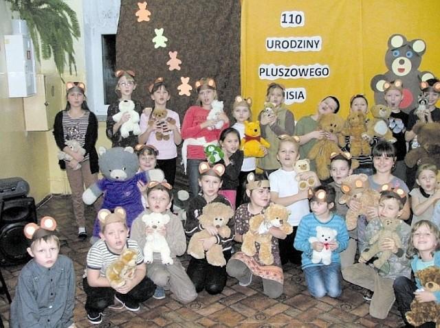 Przypomnienie najważniejszych wartości jakimi są dzieciństwo, przyjaciel, miłość i ciepło było głównym celem imprezy zorganizowanej w minionym tygodniu w Zespole Szkół Ogólnokształcących w Sokółce.