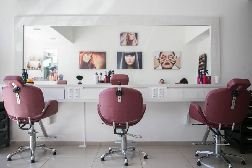 W Polsce występuje duży popyt na fryzjerów. Usługi...