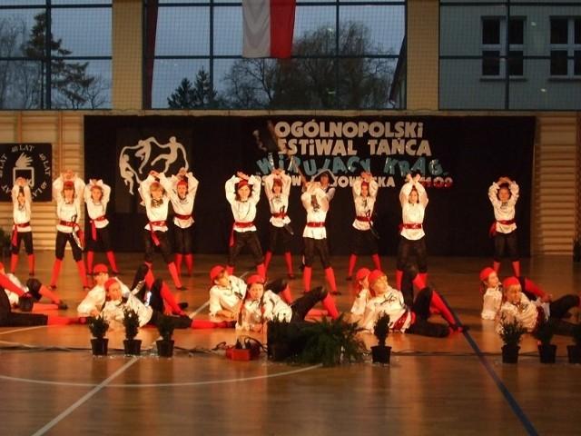 Ogólnopolski Festiwal Tanca WIRUJ?CY KR?G - Ostrów Mazowiecka 11.11.2009