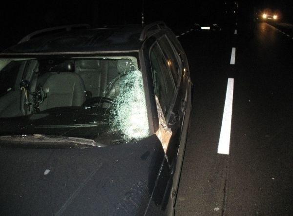 Saab potrącił nieznanego mężczyznę. Ofiara zmarła  w szpitalu w środę rano.
