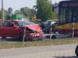 Wypadek autobusu MPK i osobówki. Dwie osoby ranne [ZDJĘCIA]