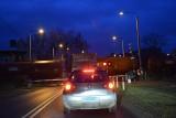 Przejazd kolejowy w Międzyrzeczu. Dlaczego rogatki opadają akurat wtedy, gdy się bardzo śpieszymy!!!