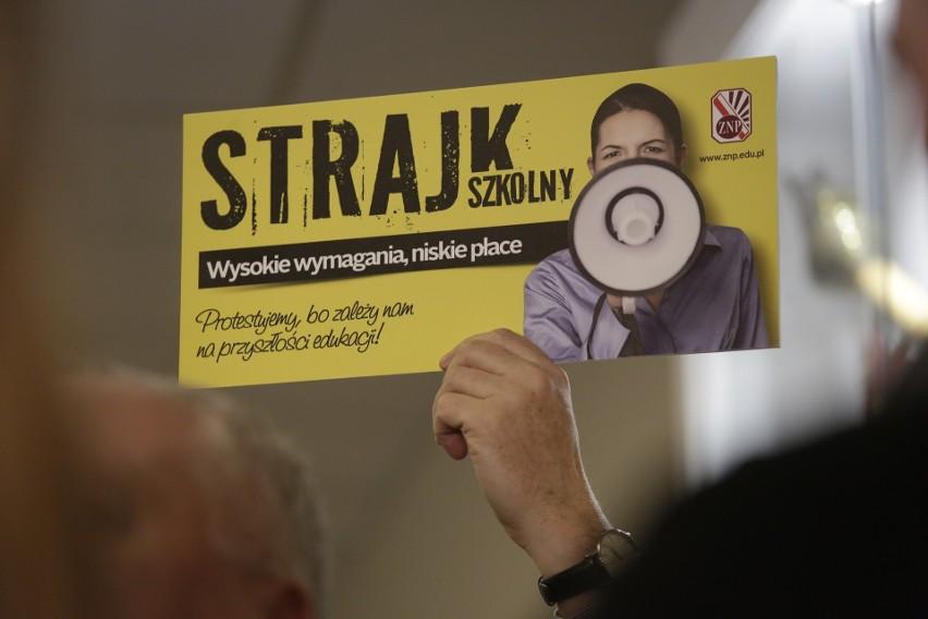 Strajk nauczycieli od poniedziałku. Fiasko rozmów z rządem