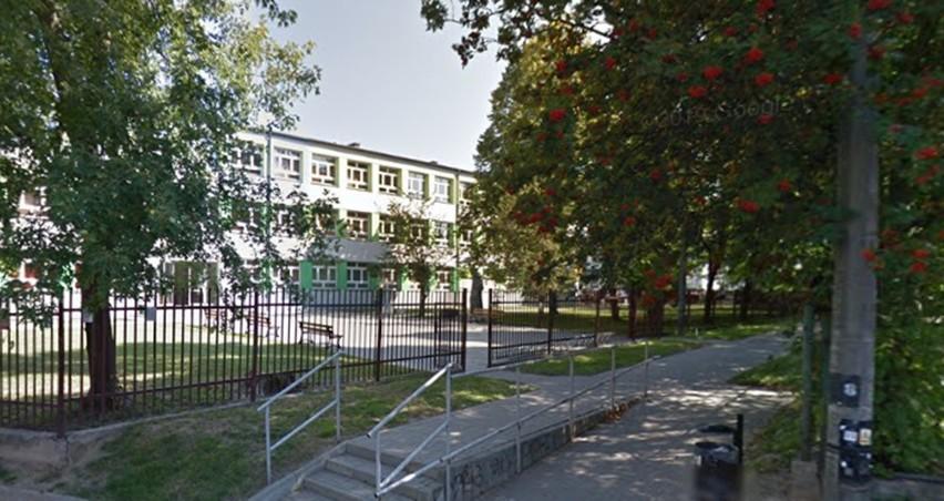 Nauczyciele z IX LO w Lublinie złożyli skargę do sanepidu w sprawie objęcia ich kwarantanną po wykryciu zakażenia u dwóch uczniów