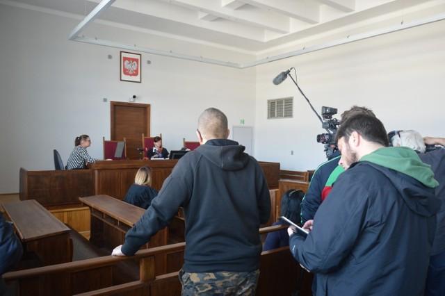 Były ksiądz z Gdyni skazany za molestowanie chłopców. Moment odczytania wyroku