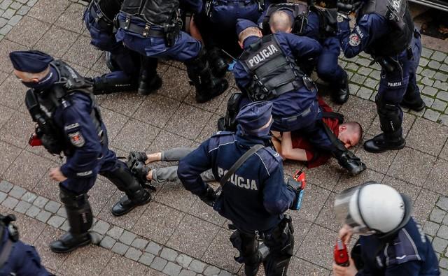 Policja pacyfikuje protest w Gdańsku, 24 października