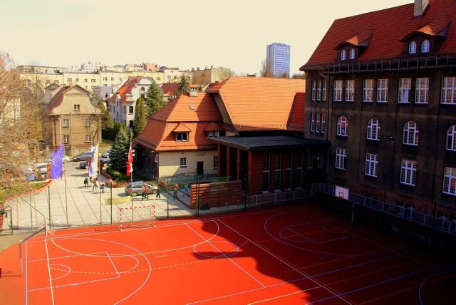 II LO w Katowicach już 26 października będzie obchodzić 70-lecie