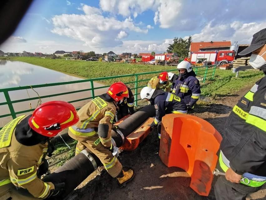 Tak wygląda walka strażaków z powodzią na Opolszczyźnie.