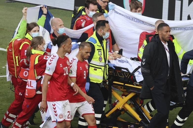 Reanimacja Christiana Eriksena w trakcie meczu Dania - Finlandia. To wydarzenie, które na długo zostanie w pamięci piłkarskiego świata