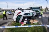 Na Pelplińskiej w Bydgoszczy autobus zderzył się z samochodem osobowym [zdjęcia]