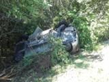 Pijany kierowca renault dachował w rowie w Tyczynie w powiecie rzeszowskim [ZDJĘCIA]