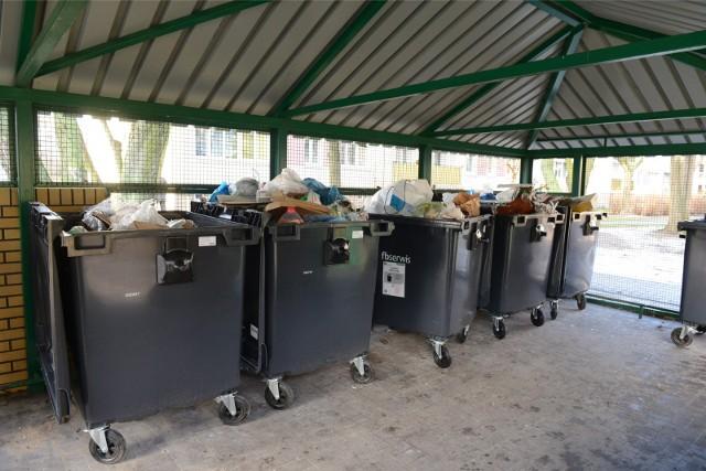 Z uwagi na zagrożenie epidemiologiczne lepiej, aby miejsca gromadzenia odpadów pozostały tymczasowo otwarte.
