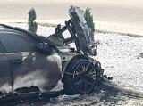 Tajemniczy pożar luksusowego samochodu w Legnicy (ZOBACZ)