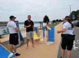 Plażowe zestawy dla pierwszych płacących za wjazd nad Jezioro Tarnobrzeskie (ZDJĘCIA)