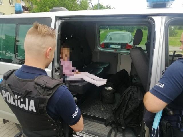 Niedługo po telefonie od rowerzysty, policja odebrała zgłoszenie od babci o zaginięciu dziewczynki
