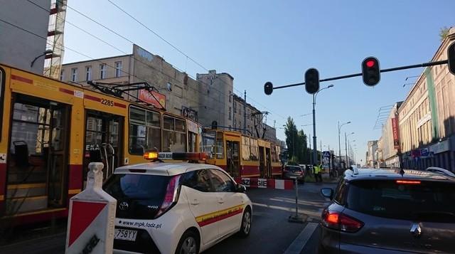 Poranny wypadek na ul. Zachodniej spowodował opóźnienia w ruchu tramwajów i utrudnienia w ruchu.CZYTAJ DALEJ NA NASTĘPNEJ STRONIE