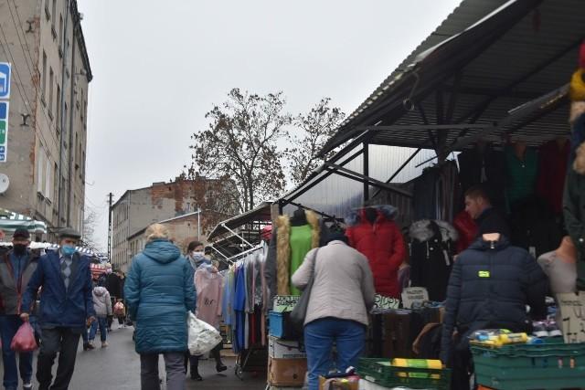 Przejście z Bałuckiego Rynku na targowisko Dolna-Ceglana.
