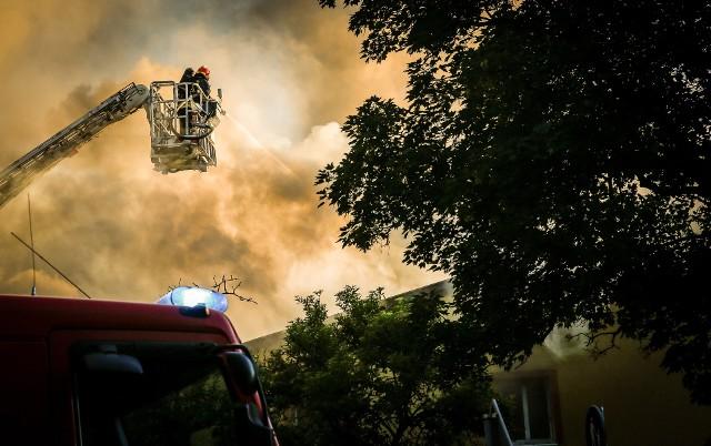 Pożar to według ubezpieczeniowej definicji działanie ognia, który powstał bez przeznaczonego do tego celu paleniska lub przedostał się poza palenisko i rozprzestrzenił się o własnej sile.