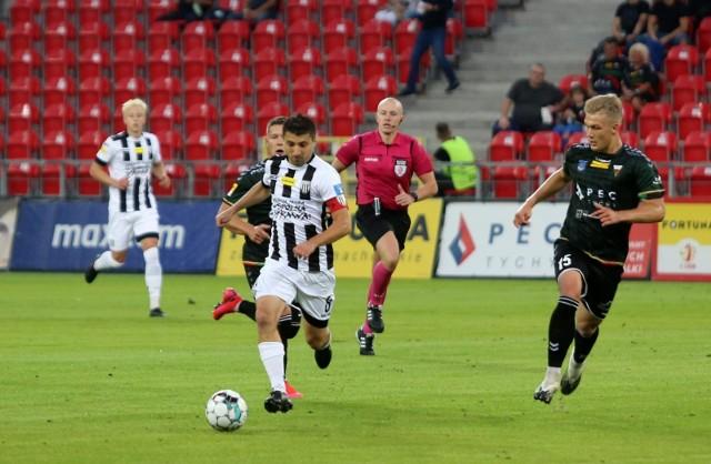 Piłkarze Sandecji Nowy Sącz odnieśli pierwsze zwycięstwo w rozgrywkach Fortuna 1 Ligi w sezonie 2020/2021.