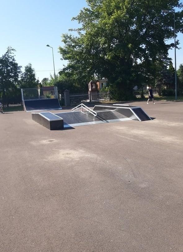 Zakończyła się budowa pierwszego etapu skateparku w...