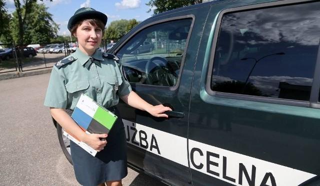 Rachm. Beata Kulaga przeniosła się z oddziału Izby Celnej w Przemyślu do Białegostoku prawie rok temu. Zachęca do pracy w jednostce, bo ceni sobie rozwój zawodowy