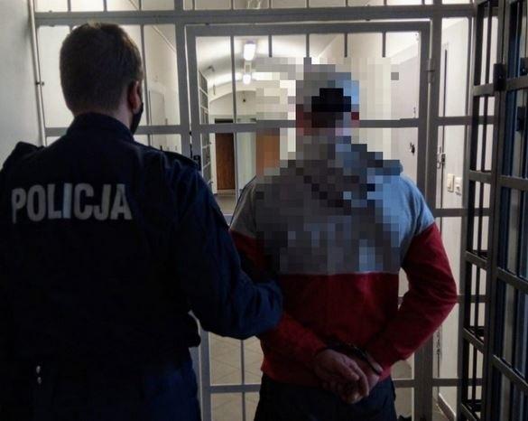Policjanci zatrzymali mężczyznę, który przyznał się do podpalenia byłej fabryki lnu w Ołdrzychowicach Kłodzkich.