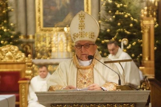 Biskup kaliski Edward Janiak jest podejrzewany o tuszowanie przypadków pedofilii w Kościele.
