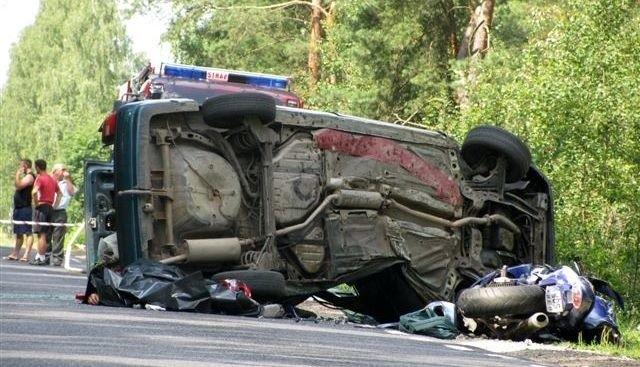 W tym makabrycznym wypadku zginęły dwie osoby.