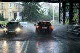 Nad Wrocław nadciągają burze. IMGW wydał ostrzeżenie