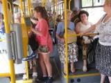 Autobusy bez klimatyzacji. KZK GOP uspokaja: Upały tylko kilkanaście dni w roku