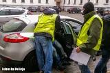 Napadł na taksówkarza. Zatrzymany przez policjantów na gorącym uczynku [ZDJĘCIA, WIDEO]