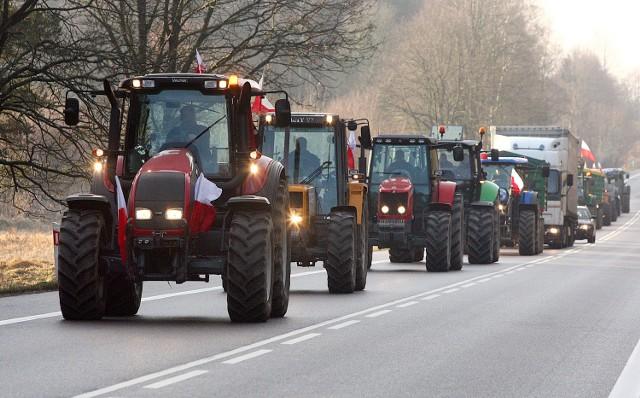Pomorze Zachodnie; Ziemia w obcych rękachRaport NIK powstał po miesiącach protestów rolników, którzy okupowali w Szczecinie Wały Chrobrego i oddział Agencji Nieruchomości Rolnych. Na ulicach Szczecina stacjonowało kilkadziesiąt ciągników.