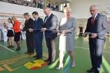 LEŚNIÓW WIELKI. Od teraz wszystkie szkoły w gminie Czerwieńsk mają już sale sportowe. W piątek oficjalnie otwarto ostatnią z nich [ZDJĘCIA]